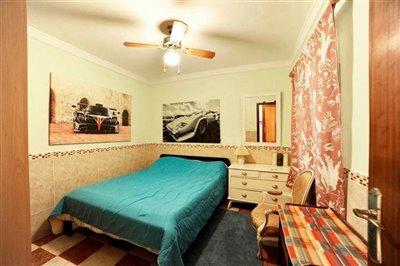 bedroom652288026