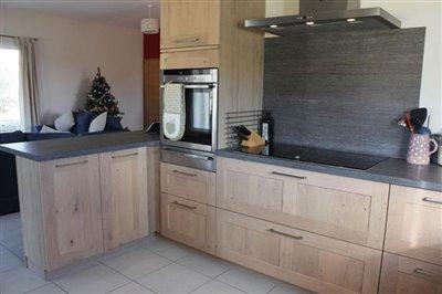 kitchenwithhobandbreakfastbar