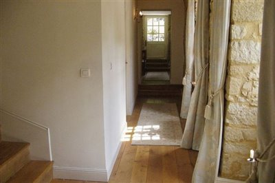 10-first-floor-corridor-photo1