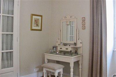 13-master-bedroom-photo2