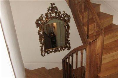 09-stairwell