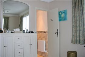 Image No.16-6 Bed House for sale
