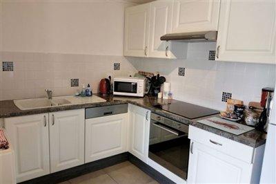 21-ls-apartment-kitchen-