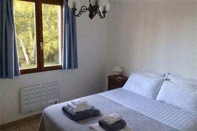 24-lv-bedroom