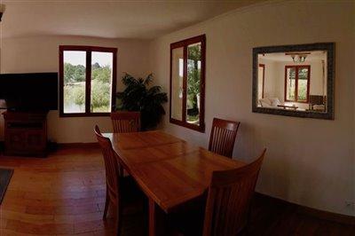 25-lounge-panorama-3