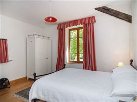 Image No.15-9 Bed House for sale