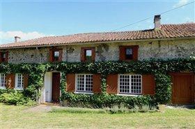Bussiere-Poitevine, House