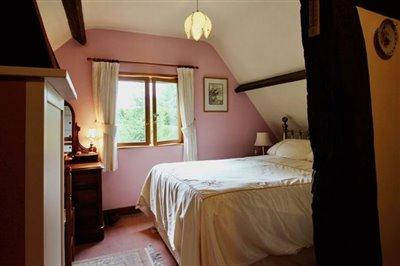 pink-bedroom-