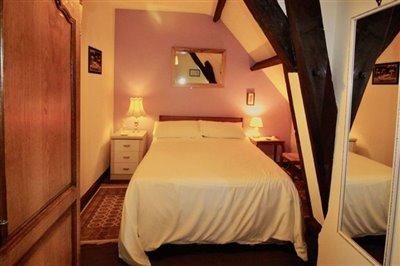 pink-bedroom-2
