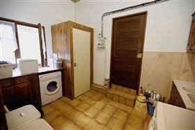 Image No.14-5 Bed House for sale