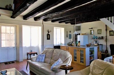 main-house-living-room-dscn0598-2