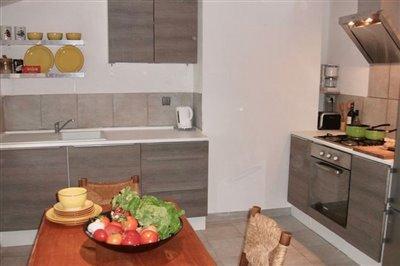 apt-kitchen-2