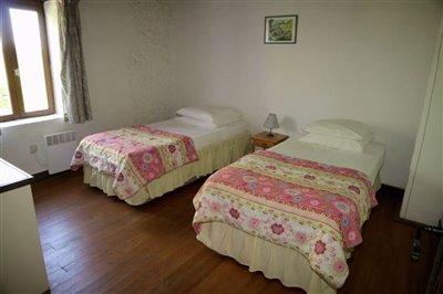busetwinbedroom