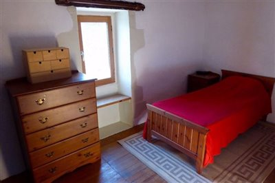 main-house-bed-2