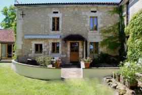 Image No.2-Propriété de pays de 17 chambres à vendre à Saint-Just