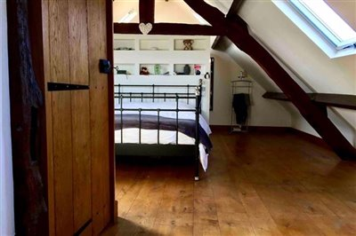 top-floor-bedroom-6