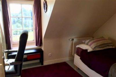 m-1st-bedroom-1