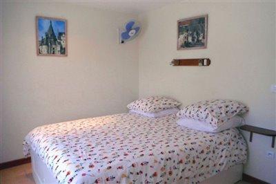 v-main-bedroom-1-copy