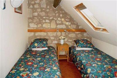 zb-poolside-bedroom-la-forge-copy