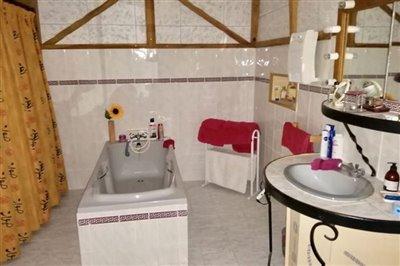imgbathroom3