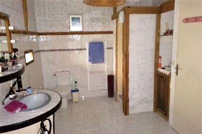 imgbathroom20200302143826