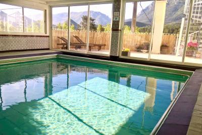 2-Swimming-pool-2