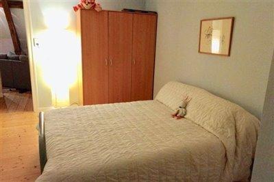 apartment-room-2