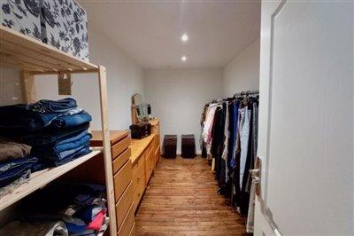 p-master-dressing-room-1