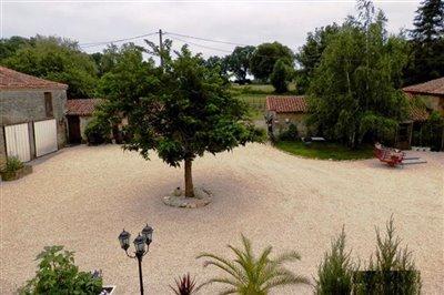 b-courtyard
