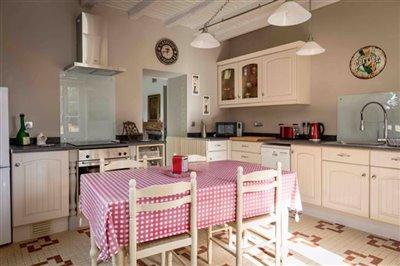 r-cottage-kitchen