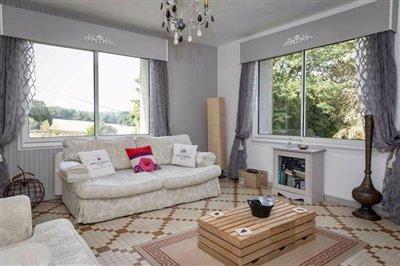 s-cottage-lounge