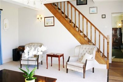 8-lounge