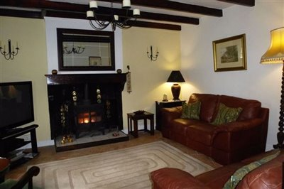 06-house-lounge