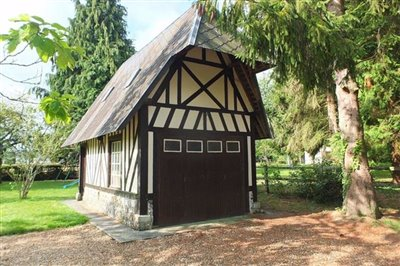 020-f5156-half-timbered-garage-reduced-size