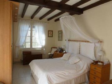 TAylor-bedroom-1