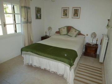Taylor-bedroom-2