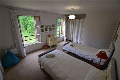 11-fpd-bedroom-2