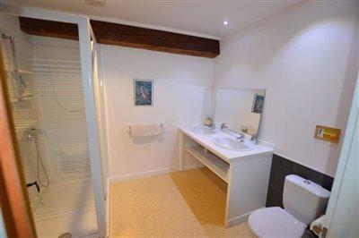 13-fpd-shower-room-3