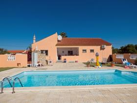 1. 3 Bed House/Villa for sale