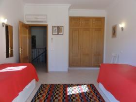 Image No.2-Maison / Villa de 5 chambres à vendre à Algarve