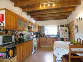 Image No.1-2 Bed Farmhouse for sale