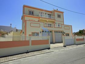 Image No.0-Maison / Villa de 6 chambres à vendre à Silves