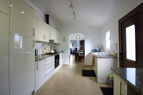 Image No.2-4 Bed Villa for sale
