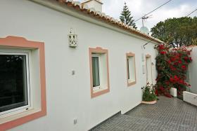 Loule, Cottage