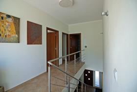 Image No.19-4 Bed Villa / Detached for sale