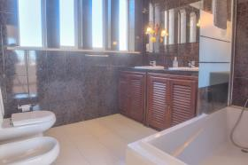 Image No.11-6 Bed House/Villa for sale