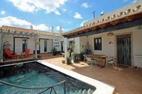 Image No.0-Villa de 4 chambres à vendre à Loule