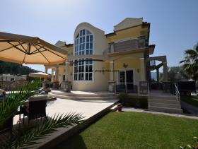 Image No.6-Villa / Détaché de 4 chambres à vendre à Uzumlu