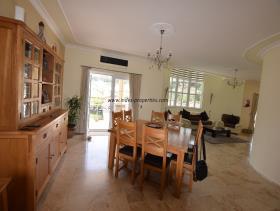 Image No.9-Villa / Détaché de 4 chambres à vendre à Uzumlu