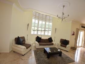Image No.11-Villa / Détaché de 4 chambres à vendre à Uzumlu